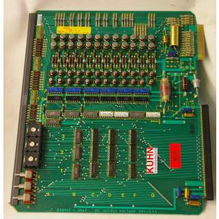 027590  DC Output Voltage